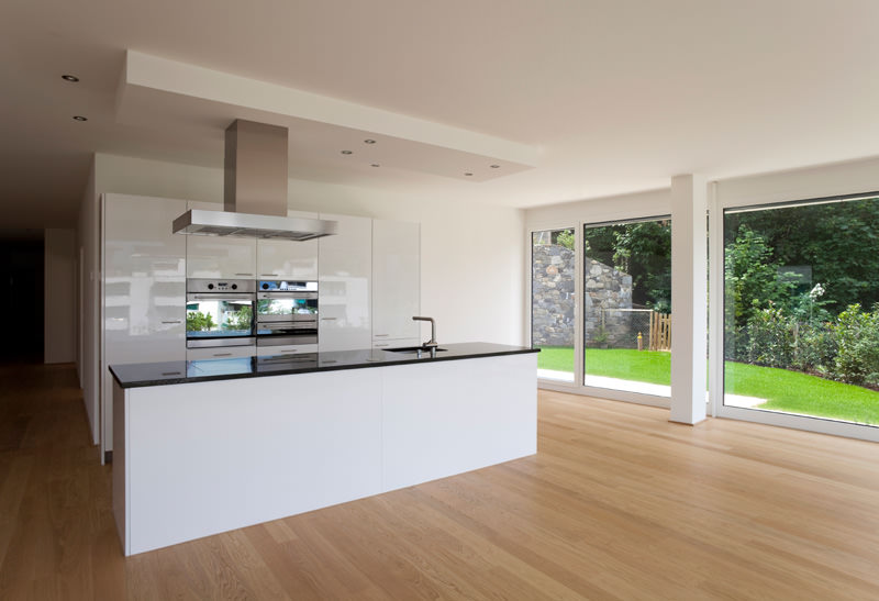 Tasmanian oak flooring victorian ash for Contemporary kitchens uk